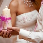 Нюансы украшения свадебных свечей — романтично и ответственно